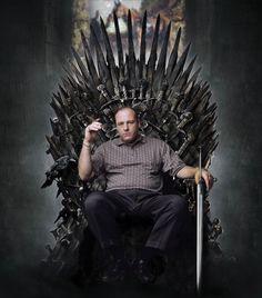 dailyhantzis:    Tony Soprano on the throne