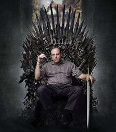 dailyhantzis:    Tony Soprano on the throne
