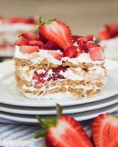 This strawberry icebox cake is really a layered refrigerated cake using graham crackers, whipped topping, and fresh fruit. Strawberry Refrigerator Cake, Strawberry Icebox Cake, Strawberry Desserts, Susan Recipe, Cake Recipes, Dessert Recipes, Spring Recipes, Let Them Eat Cake, Just Desserts
