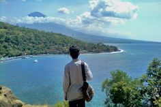 Visiting Amed Beach is one of my best experience when exploring the Bali Island. Located in Karangasem Regency I needed time about 4 hours to reach in this place. Departing from Denpasar City we just went together with 8 people. Ride motorcycle we passed Jl. Ida Bagus Mantra. We not ride fast, while enjoyed the fresh air, and amazing panorama. On my trip to Amed Beach, I passed many interesting sites like Candidasa Beach, Goa Lawah Temple, and an amazing terracing rice field. I didn't know…
