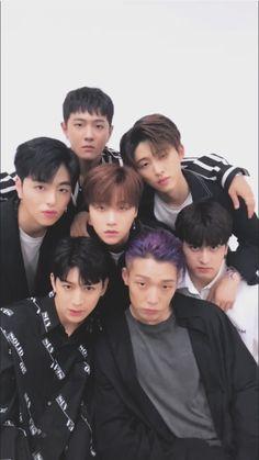 XD it looks like they're gravitating to Jinhwan. Chanwoo Ikon, Kim Hanbin, Yg Entertainment, K Pop, Yg Groups, Ikon News, Bobby, Ikon Member, Winner Ikon