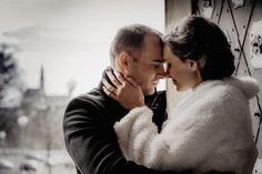 Comment reconnaître un homme amoureux qui cache ses sentiments ? Couple Photos, Couples, Sentiments, Important, Voici, Horoscope, Couple Memes, Love Disappointment, Love Birds