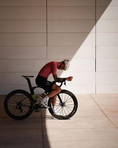 "Jānis [Yanis] Hofmanis on Instagram: ""a cycling postcard from your own city."" Road Cycling, Road Bike, Men Fashion Photoshoot, Bike Messenger, Female Cyclist, Bike Kit, Bike Photography, Bike Wear, Bike Style"