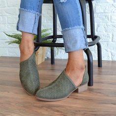 Low Heel PU Slip-On Shoes Hollow Chunky Heel Boots – rosynova Chunky Heel Shoes, Chunky Boots, Shoe Boots, Shoes Heels, Flats, Ankle Boots, Shoe Shoe, Look Fashion, Fashion Shoes