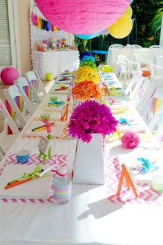 Chevron rainbow art party: rainbow daisy centerpieces,using the food coloring in water trick? Rainbow Parties, Rainbow Birthday Party, Art Birthday, Birthday Party Themes, Chevron Birthday, Birthday Table, Home Birthday Party Ideas, Summer Birthday, Themed Parties