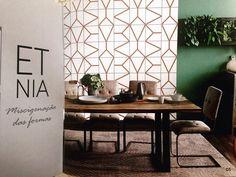 ETNIA. Um dos kits mais vendidos em 2016 com duas peças maravilhosas que fazem essa composição étnica. Para sua felicidade esse ano ela vem em COBRE. Isso mesmo cobre que está super em tendência. Está sensacional!  #decora #instadecor #inspiration #reforma #photooftheday #lifestyle #painel #azulejo #azulejos #ceramic #ceramica #revestimento #arquitetura #design #interiordesign #ideia #art #azulejaria #home #fachada #decor  #azulejosdecorados  #sala #room #tile #tiles #damaazulejos #dama