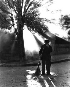 The Street Sweeper, 1966 - Barry Goldwater. I saw a guy like this in Warsaw, Poland. Black And White Pictures, Black N White, White Gold, Street Photography, Art Photography, Vintage Photography, Amazing Photography, Masters, Light And Shadow