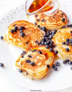 Pancakes for breakfast What's For Breakfast, Breakfast Recipes, Snack Recipes, Dessert Recipes, Cooking Recipes, Sweet Desserts, No Bake Desserts, Good Food, Yummy Food