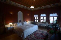 Room 304 - Kırmızı Oda