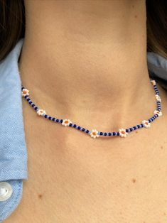 Seed Bead Jewelry, Bead Jewellery, Cute Jewelry, 90s Jewelry, Jewelry Necklaces, Trendy Necklaces, Seed Bead Necklace, Seed Beads, Bracelet Crafts