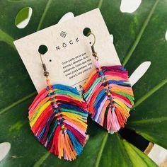 Goodmorning lovelies, these beauties are from 💕💕💕 Do you like? Textile Jewelry, Fabric Jewelry, Boho Jewelry, Jewelry Crafts, Beaded Jewelry, Jewellery, Feather Earrings, Boho Earrings, Earrings Handmade