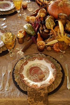 Giving Thanks table and easy #DIY for gilding gourds #thanksgiving