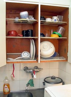 Make your own dish draining closet. I donu0027t think I can do it : plate racks for cupboards - Pezcame.Com