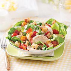 Salade club sandwich - Recettes - Cuisine et nutrition - Pratico Pratique Bacon, Healthy Salads, Herbalife, Salad Recipes, Potato Salad, Sandwiches, Potatoes, Nutrition, Club