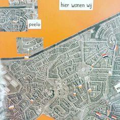 Op Google maps alle adressen van de kinderen invoeren en dan meten... Wie woont het dichtst bij school etc.