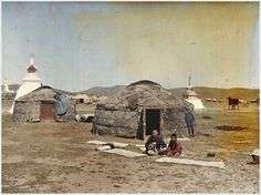 Mongolian yurtas - Albert Kahn's Archives Of The Planet