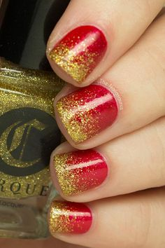 glitter Glitter Gradient Merry Christmas Manicure This sophisticated manicure with sequined shades has a sparkling and fun look for the holiday season! 49ers Nails, Football Nails, Glitter Manicure, Gold Nails, Christmas Manicure, Holiday Nails, Black Eyed Peas, Merry Christmas, Gold Christmas