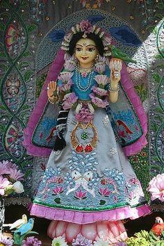 Radha Rani, Krishna Images, Hare Krishna, Spiritual Life, Deities, Princess Zelda, Pattern, Character, Dresses