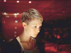 47.Pixie Haircut