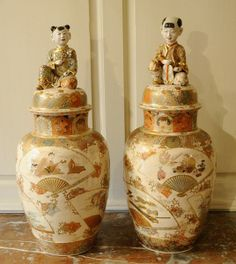Large pair of Satsuma vases - Art  Antiques Online - CINOA