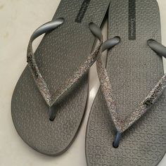 Shop Women's ipanema size 9 Sandals at a discounted price at Poshmark. Description: Brand new Sparkly Ipanema flip flops. Sparkly Sandals, Shoes Sandals, Ipanema Flip Flops, Women's Feet, Fashion Tips, Fashion Design, Fashion Trends, Brand New, Accessories