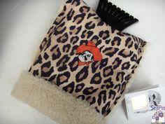 $20.00 : Oklahoma State University Logo Auto Cheetah Ice Scraper