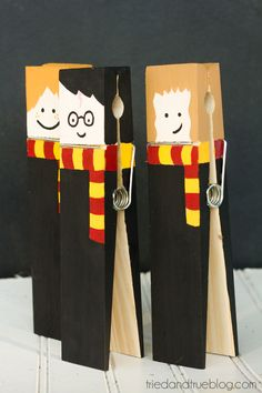 Make these super adorable Harry Potter XL Clothespins with just a few supplies. Looks great decorating any desk or office!