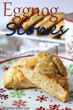 Homemade Eggnog scones made with eggnog in the batter and eggnog in the glaze. These scones are perfect for breakfast or with afternoon tea! Christmas Scones, Christmas Brunch, Christmas Breakfast, Christmas Baking, Christmas Bread, Christmas Cookies, Gourmet Recipes, Baking Recipes, Scone Recipes