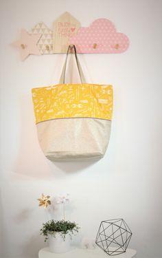 Grand sac cabas en lin enduit et coton jaune moutarde, fourre tout - Dans mon baluchon
