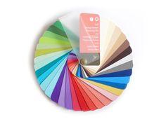 Farbpass als Farbfächer zur Farbberatung des Misch- oder Zwischentyps Frühling-Sommer.