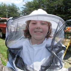Introductory Beekeeping Class Hillsborough, NC #Kids #Events.                      THIS IS AN AWESOME THING TO LEARN.. Beekeeping!! (  :