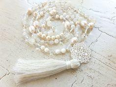Mala Liebe Kette Diese Kette kann individuell bei uns bestellt werden! Earrings, Jewelry, Fashion, Pearls, Necklaces, Love, Schmuck, Ear Rings, Moda