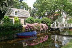 Google Afbeeldingen resultaat voor http://upload.wikimedia.org/wikipedia/commons/b/b0/Broek_in_Waterland,_woonhuis_aan_het_Ee.jpg