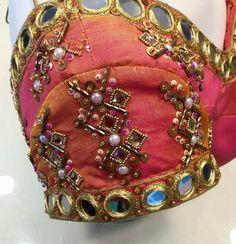 Mirror Work Saree Blouse, Mirror Work Blouse Design, Aari Work Blouse, Pattu Saree Blouse Designs, Blouse Designs Silk, Blouse Patterns, Peach Saree, Wedding Saree Collection, Maggam Work Designs