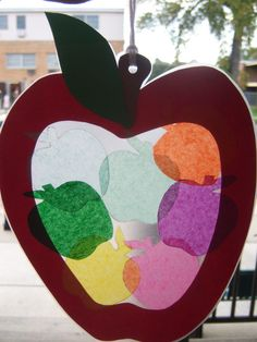 Could be done with apples or pumpkins or both! Great clean toddler craft!