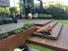 Garten terrassendielen ideen designs composite besten backyard be harmful to your garden. Backyard Patio, Backyard Landscaping, Landscaping Ideas, Patio Stairs, Deck With Stairs, Wooded Backyard Landscape, Outside Stairs, Landscape Stairs, Outdoor Stairs