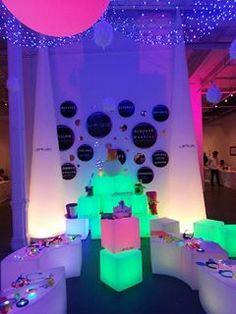 Lounge Lighting, Luz Led, Lava Lamp, Table Lamp, Ideas, Home Decor, Net Lights, Counter, Cubes