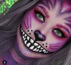 HalloweenMaquillage Pour Les Yeux Halloween Simple # redoutable Maquillage et costume de sorcière . Yeux Halloween, Cat Halloween Makeup, Halloween Makeup Looks, Costume Halloween, Diy Costumes, Cheshire Cat Halloween, Halloween Zombie, Halloween 2020, Halloween Night