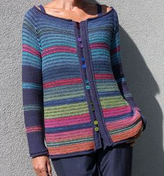 Discover vintage retro clothing, elegant new dress, coat and sweater shirt, blouse for beautiful you. Crochet Jumper, Knitted Poncho, Knit Crochet, Vogue Knitting, Hand Knitting, Hand Knitted Sweaters, Fall Fashion Outfits, Retro Outfits, Crochet Clothes