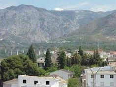 Resultado de imagen de ORIHUELA escudo Mountains, Nature, Travel, Coat Of Arms, Naturaleza, Viajes, Destinations, Traveling, Trips