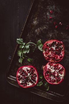 Flatbread with Ricotta and Pomegranate Salsa | upcloseandtasty.com | #recipes | #flatbread | #pizza | #homemade | #easy