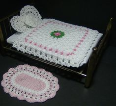 Miniature Dollhouse Bed Cover Pillows & Rug -  Crochet Me ... Love love love the rug!   Maybe to match the girls bedding?!