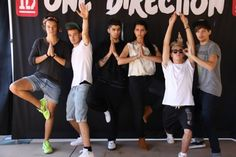 imagine yoga class with one direction << OKAY. HARRYS LEGS LOOK SO NICE. THEY LOOK LIKE THEY R SHAVED. AND THEIR TAN. WHY? WHY CANT I BE BLESSED WITH HARRYS LEGS?! wow. That sounded so weird.