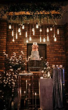 Industrial Wedding Inspiration at Victoria Warehouse in Manchester with Edison Lights 2019 Marble Wedding Cake Industrial Wedding Inspiration, Industrial Wedding Decor, Industrial Chic, Wedding Cake Stands, Wedding Cakes, Wedding Favors, Edison Lighting, Club Lighting, Industrial Light Fixtures