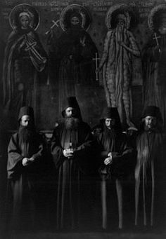 Abbot,monks of Mt. Athos Monastery of Zographou,Greece,photo by Arnold Genthe Orthodox Christianity, Orthodox Priest, Spiritual Warrior, Dark Photography, Orthodox Icons, Photos, Pictures, Catholic, Black And White