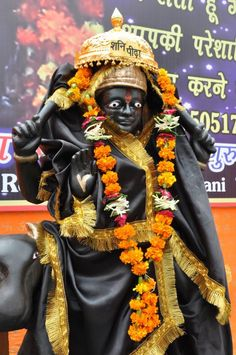 Shani mantra is recited to get relief from ill effects of Lord Shani. These mantras are very powerful - Shani Moola Mantra, Gayatri mantra, Maha Mantra, Mantra for Success. Shree Krishna Wallpapers, Shiva Lord Wallpapers, Hd Photos Free Download, Shani Dev, Photo Art Gallery, Gayatri Mantra, Shiva Statue, Lord Krishna Images, Hd Wallpapers For Mobile