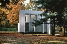 House VI by Peter Eisenman sits on a gorgeous old New England lane wedged…