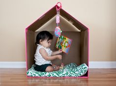 61 Ideas for baby diy activities cardboard boxes Cardboard Box Houses, Cardboard Playhouse, Cardboard Crafts, Diy For Kids, Crafts For Kids, Diy Crafts, Big Kids, Carton Diy, Diy Karton