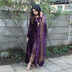 Swooning over this pretty purple velvet attire @ibreatheshoes #styleonset #styleinspiration