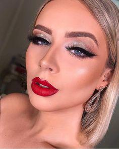 Sexta pode brilho e batom vermelho sim! 💄 #make #mundobellamake #makeup #maquiagembrasil #maquiagem #maquiagem_insta #maquiagemtop_… Classy Makeup, Glam Makeup, Love Makeup, Beauty Makeup, Makeup Looks, Hair Makeup, Hair Beauty, Red Lips Makeup Look, Silver Eye Makeup